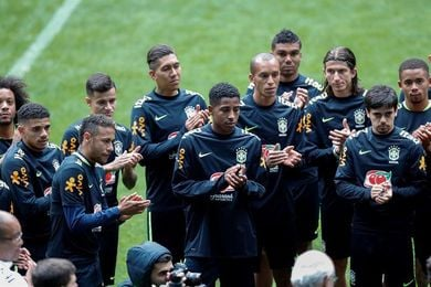 Tite anuncia que Willian será titular y Coutinho va al banquillo