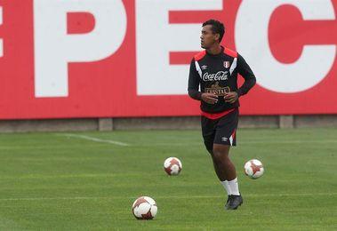 Tapia cree que Perú aprendió de sus errores y tiene un grupo sólido