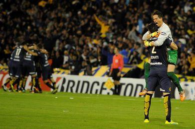 Rosario Cenral sufrió para superar al Deportivo Riestra por la Copa Argentina