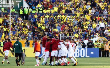 """Perú amanece enamorado por el """"histórico"""" triunfo de su selección en Ecuador"""