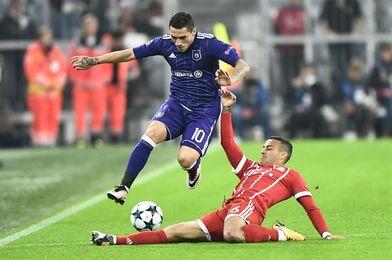 3-0. El Bayern resuelve sin brillo el duelo ante un Anderlecht con diez hombres