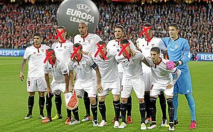 Estos fueron los once futbolistas que salieron de inicio en la final de la Europa League; siguen cinco
