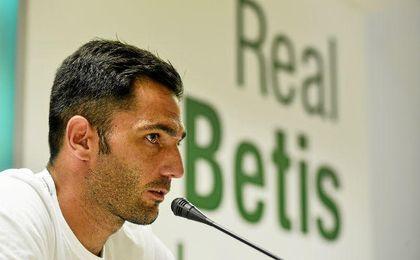 """Adán: """"Estoy en el Betis, donde quiero estar"""""""