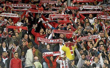 Anfield apreció a la afición del Sevilla