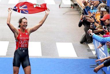 Flora Duffy revalida el título mundial de triatlón con la puntuación perfecta