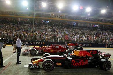 Vettel gana la ´pole position´ en Singapur