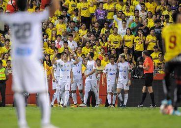 Barcelona con la convicción de llegar a semifinales ante Santos en Brasil