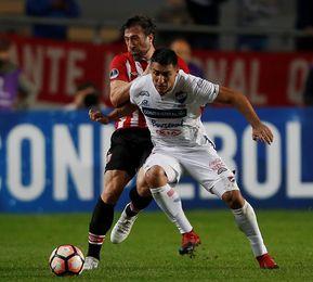 0-1. El Nacional paraguayo es el ´tumbagrandes´ del torneo y está en cuartos