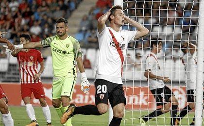 Almería 3-0 Sevilla Atlético: Más goles que fútbol