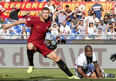 El Roma gana 3-1 al Udinese y alcanza momentáneamente la cuarta plaza
