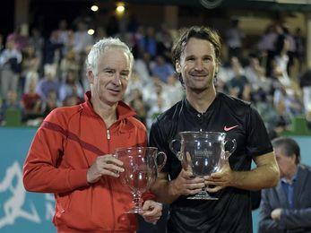 Moyá, campeón en Marbella tras superar a McEnroe en la final