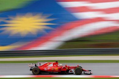 """Vettel: """"He podido luchar con Ricciardo hasta que los neumáticos se agotaron"""""""