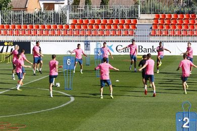 El Atlético vuelve al trabajo con nueve jugadores del primer equipo y Costa