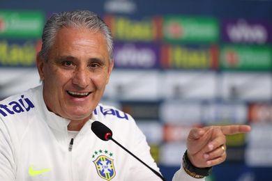 Brasil entrena con Coutinho como titular y Thiago Silva en la zaga