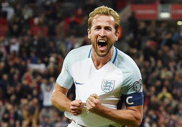 Alemania e Inglaterra, al Mundial; doble récord de Lewandowski