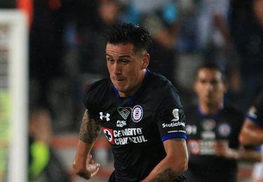 3-5. Cruz Azul golea a Dynamo y gana trofeo Charities Cup