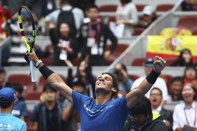 Nadal sobrevive el bombardeo de Isner y pasa a semifinales en Pekín