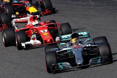 Hamilton vence en Suzuka; Sainz abandona y Alonso es undécimo