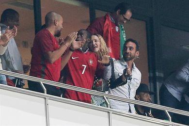 Madonna anima a la selección de Portugal desde la grada