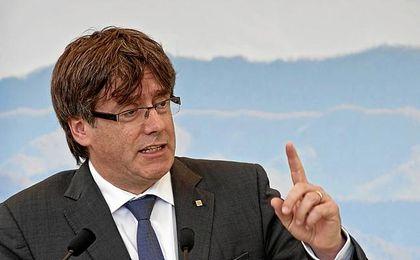 Puigdemont declara la independencia... pero la deja en suspenso