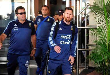 La selección argentina abandona Guayaquil con destino a Quito