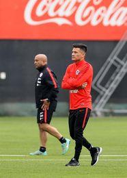 Charles Aránguiz será titular en el decisivo partido contra Brasil