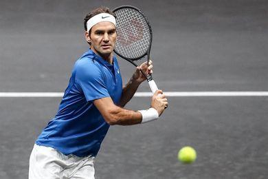 Federer consigue su pase a octavos de Shanghái contra argentino Schwartzman