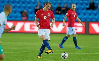 Berge, con la elástica de Noruega en el partido ante Irlanda del Norte.