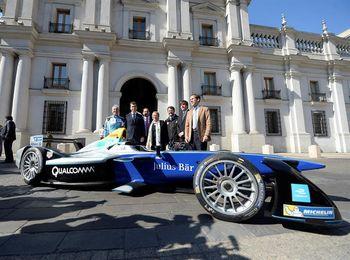 """Chile lanza el campeonato de Fórmula E y ve una """"oportunidad"""" en los autos eléctricos"""