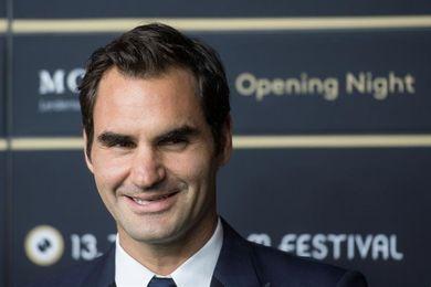 Federer derrota a Dolgopolov y también pasa a cuartos