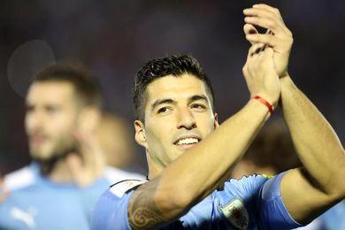 Luis Suárez celebra diez años de su primer gol con la selección de Uruguay