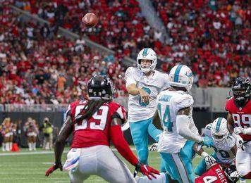 17-20. Cutler lanza dos pases de anotación en el triunfo de los Dolphins sobre los Falcons