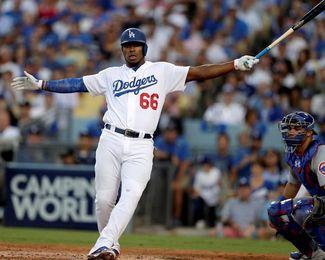 4-1. Turner mantiene ganadores e invictos a los Dodgers, que dominan 2-0 la serie