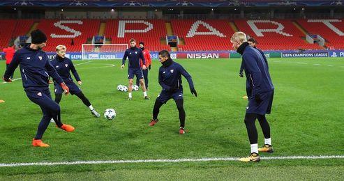 El Sevilla, a afianzar el liderato en Moscú ante un rival que busca no descolgarse