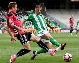 El Alavés ganó en sus dos últimas visitas al Benito Villamarín