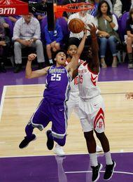 100-105. Harden conduce la segunda victoria de los Rockets