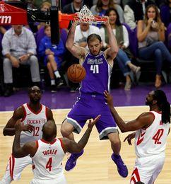 Rockets siguen triunfales; Bucks acentúan crisis de Celtics; ganan favoritos
