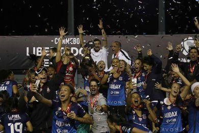 0-0. Corinthians gana a Colo Colo en penaltis y salen campeonas Libertadores