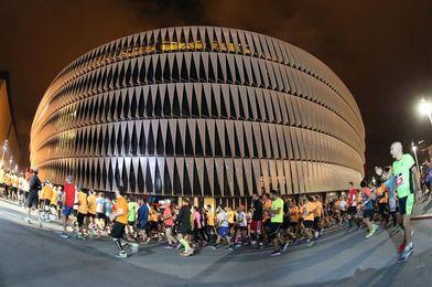 Los kenianos Eliud Too y Mercy Jepkangor ganan la Maratón Nocturna de Bilbao