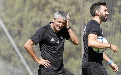 Setién y Sarabia tiene el respeto de los jugadores y la afición.