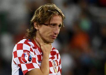 Modric y Rakitic son convocados por Croacia para la repesca contra Grecia