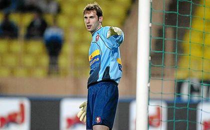 Pert Cech cambió el Rennes por el Chelsea en 2004.