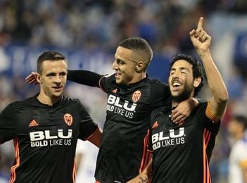 0-2. El Valencia deja casi sentenciada la eliminatoria en La Romareda