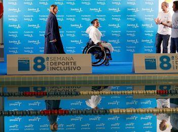 Mireia Belmonte y Teresa Perales nadan por la inclusión