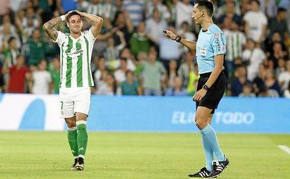 Sergio León vuelve hoy a la titularidad en el Betis.