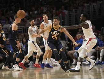 102-84. Los Clippers siguen en racha y no dan opción a los Jazz de Rubio
