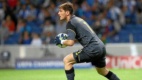 Iker Casillas se enzarza con los medios