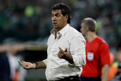 El América del ´Polilla´ Da Silva necesita ganar el clásico para huir del descenso