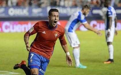 León celebra su primer gol en Primera, logrado ante el Espanyol.