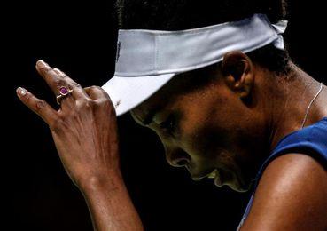 Venus Williams remonta ante García y se cita con Wozniacki en la final